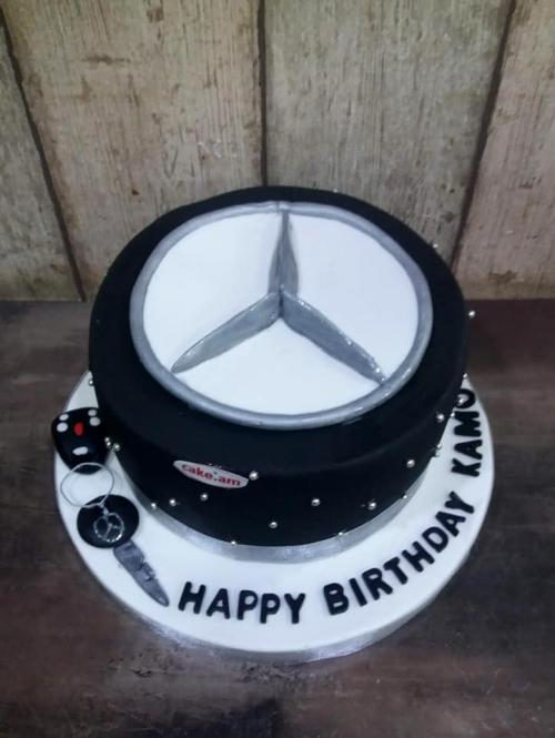 Mercedes customized cake